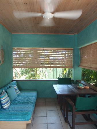 Mission Beach Shores: Patio-veranda
