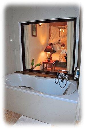 Ocean Village Club: Grand Tropical Bath