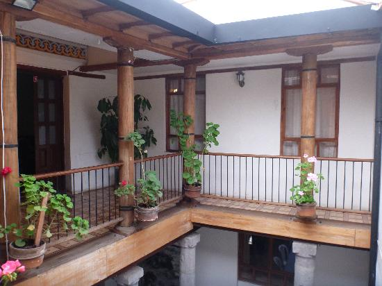 Hostal La Ronda: Courtyard