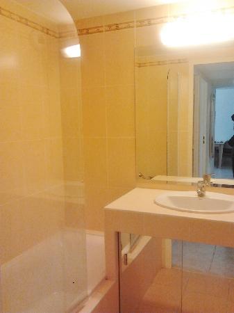 Residence Goelia Royal Cap: la salle de bains