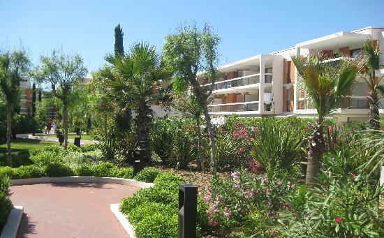 Residence Goelia Royal Cap: le parc intérieur