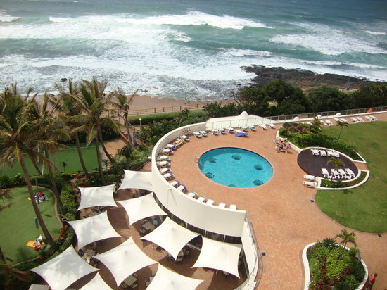 uMhlanga Sands Resort: Pool area viewed from our room