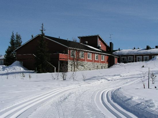 Ski track behind Hotel Seita Äkäslompolo