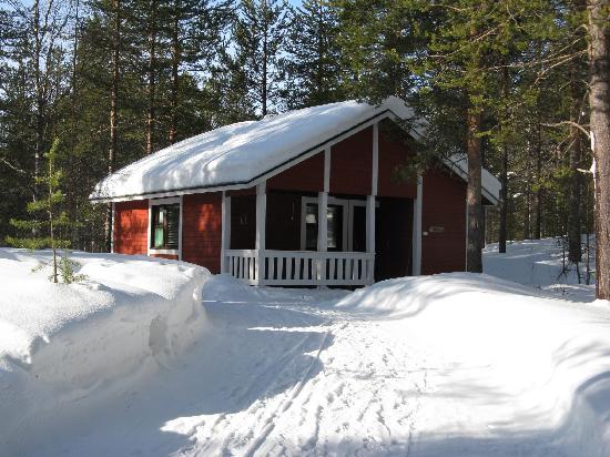 Hotel Seita: Seita Hotels cottage in wintertime, Äkäslompolo