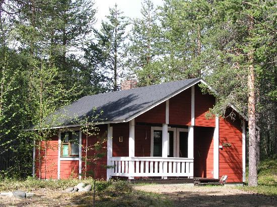 Hotel Seita: Seita Hotels cottage in summertime, Äkäslompolo