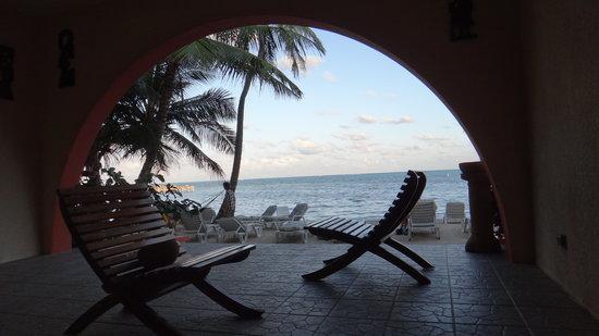 Banana Beach Resort: Hotel to the Beach