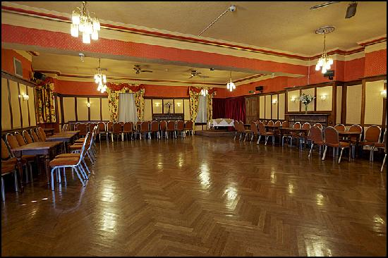 The Queens Hotel: BALMORAL BALLROOM