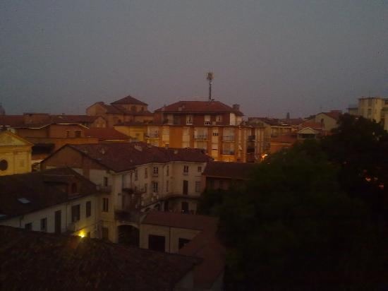 Hotel Aleramo : Dawn in Asti, viewed from my room
