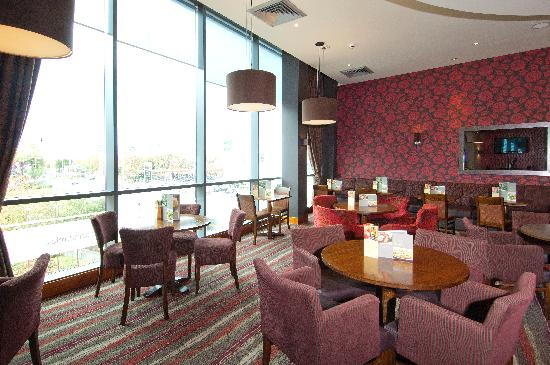 Premier Inn London Wimbledon South Hotel: Thyme Bar