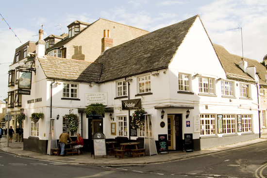 The White Swan: The Pub from Outside