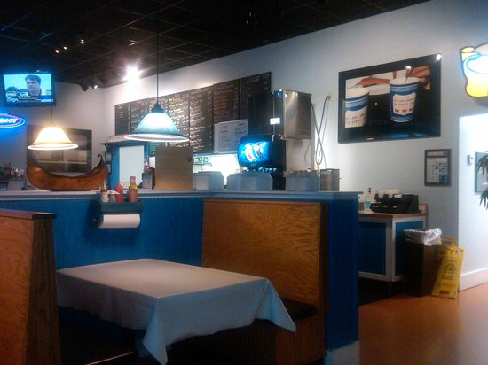 Mad Greek Grill: Part of the interior