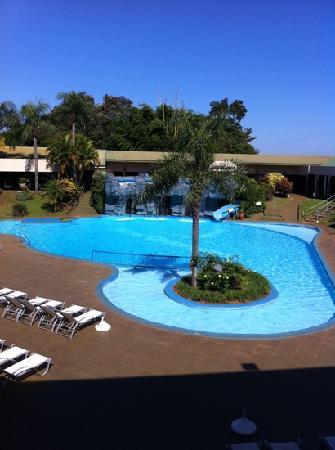 Exe Hotel Cataratas: Área de Piscina