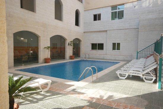 Al Anbat Hotel 1 : The swimming pool
