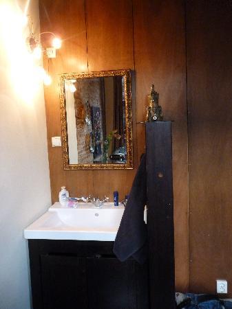 Sunhead of 1617 : lavabo chambre jasmin