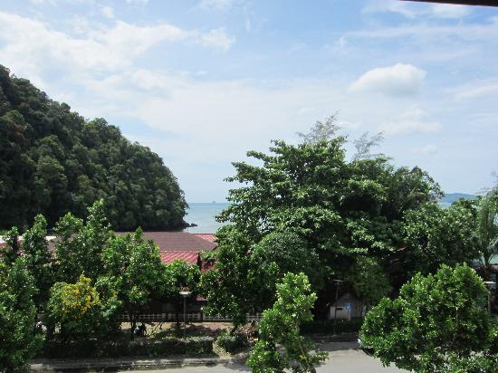 Aonang All Seasons Beach Resort: ocean view