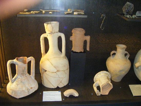 Musee des Beaux-Arts : objets d'arts