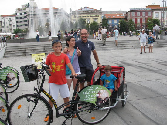All family Go By Bike