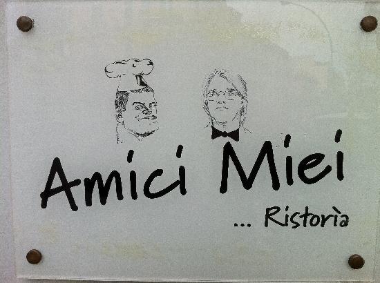 Amici Miei: il logo