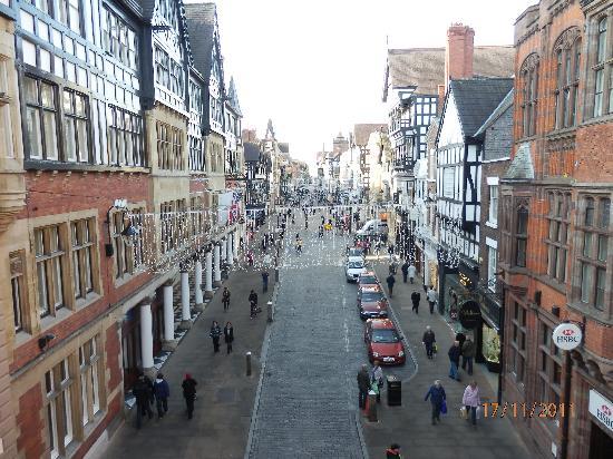 Brook Mollington Banastre Hotel & Spa: Chester shopping