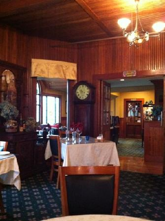 Shelburne Inn: dining room