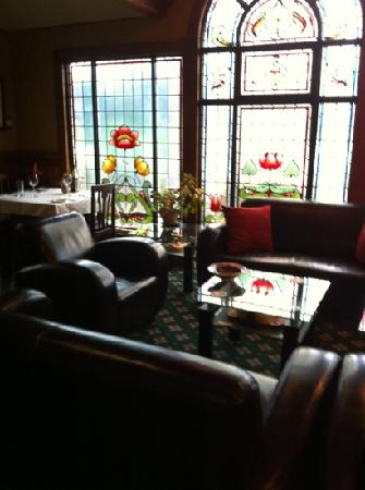 Shelburne Inn: piano room