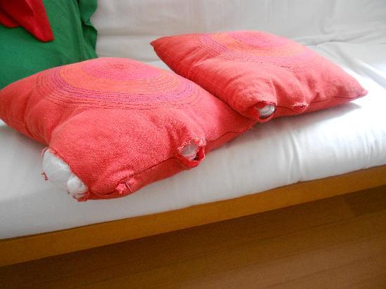Cabello Square: Cushions