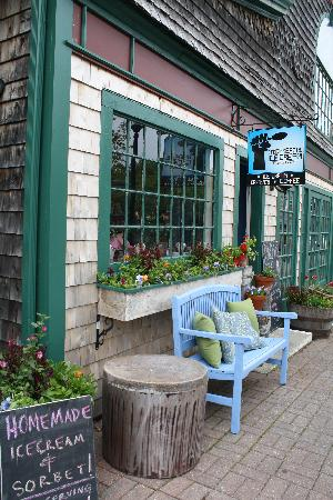 Mount Desert Island: ice cream shop