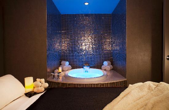 Talking Stick Resort: A prelude to a massage or body treatment, a soak is a perfect way to begin your relaxation at Th