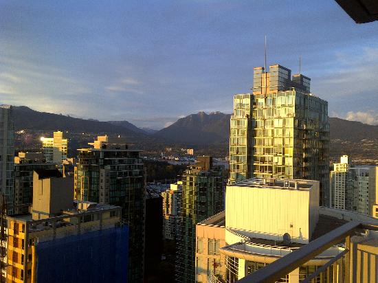 Blue Horizon Hotel: View North from 2907