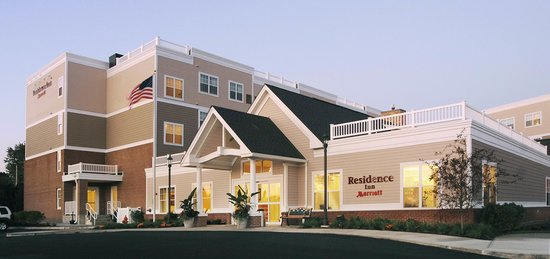 Residence Inn Newport Middletown: 2 miles to Newport