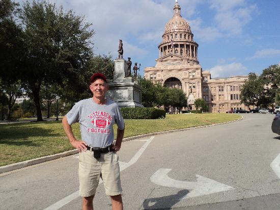 Sheraton Austin at the Capitol: walk to the capitol