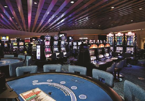 Talking Stick Resort: With more than 700 multi-denominational play slots, our slot floor features video poker, statewi