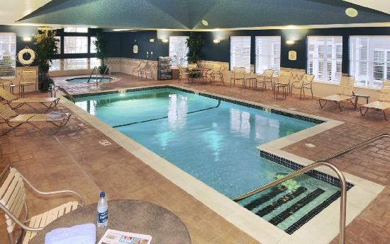 Residence Inn Newport Middletown: Indoor Pool & Whirlpool