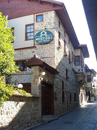 Mediterra Art Hotel : Hotel von vorne