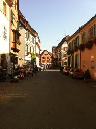 Husseren-les-Chateaux, ฝรั่งเศส: la cittadina