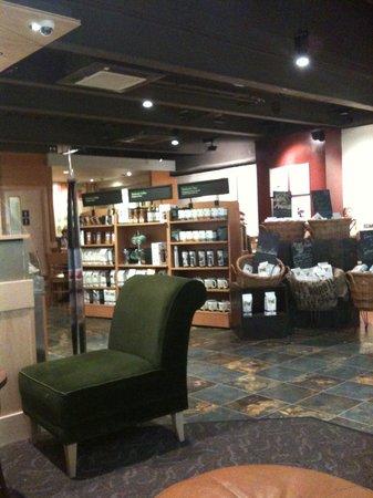 Starbucks: Inside