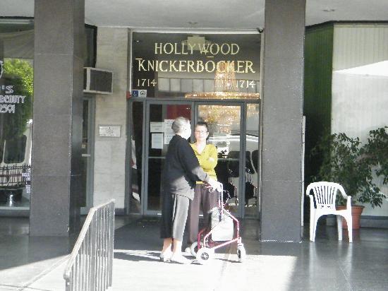 Dearly Departed Tours: Knickerbocker