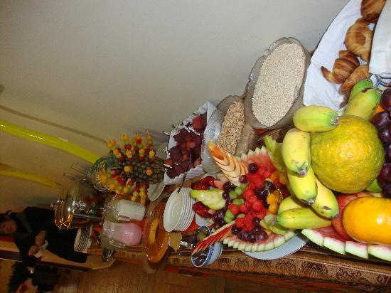 Antawasi Hotel: desayuno buffet  delicioso y abundante