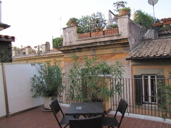 Hotel Smeraldo: roof top patio
