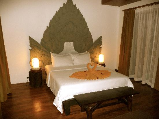 Malisa Villa Suites: chambre