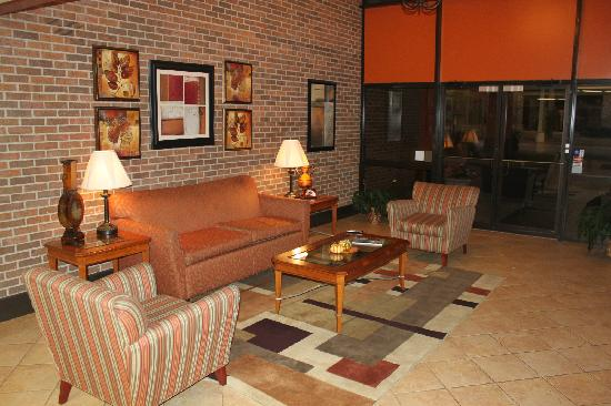 Suburban Extended Stay: Main Lobby Entrance