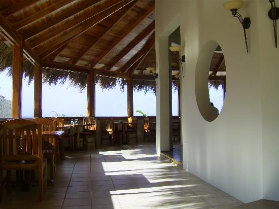The SPA Retreat Boutique Hotel : entrance to the restaurant