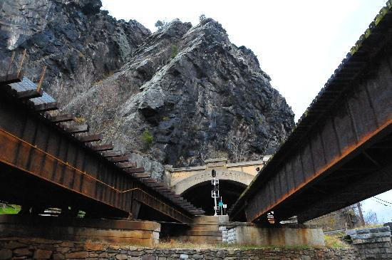 Harpers Ferry National Historical Park: B&O Potomac Rail Crossings