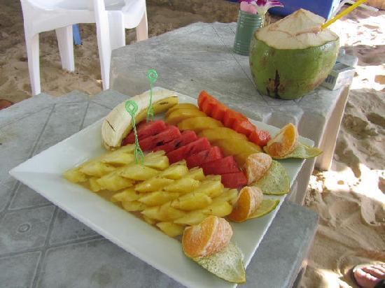 Beyond Resort Karon: Beach fruit platter - so cheap!