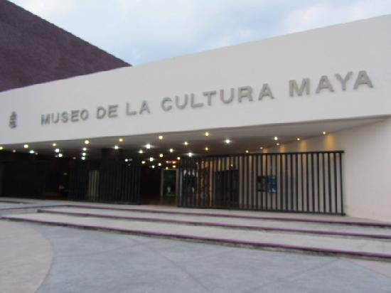 Museo de la Cultura Maya : Outside entrance