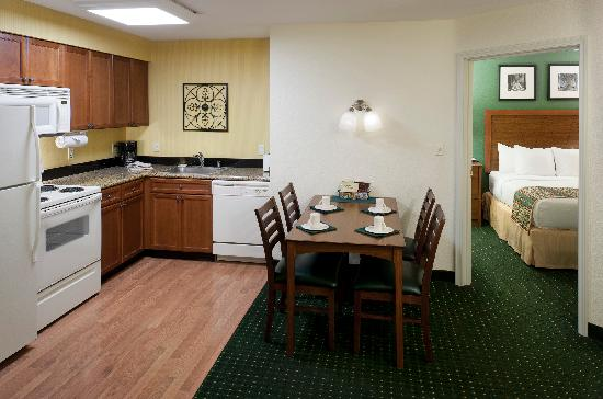 Residence Inn San Bernardino: Two Bedroom Suite Kitchen