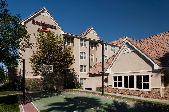Residence Inn San Bernardino: Sport Court
