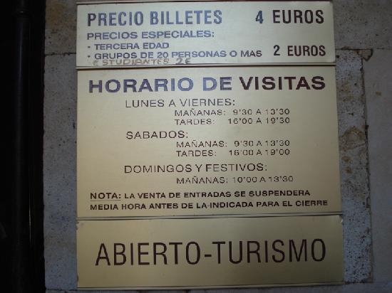 Universidad de Salamanca: Hours