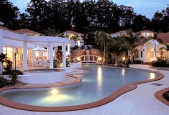 Royal Woods Resort: Outdoor Swimming Pool with Waterfall