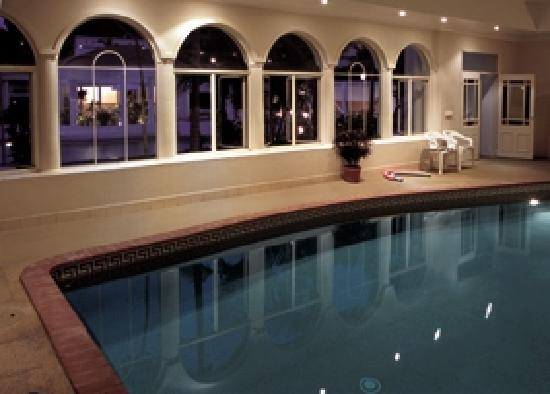 Royal Woods Resort: Enjoy a swim in our heated indoor pool in winter